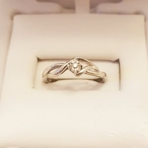 Small one white diamond baby ring